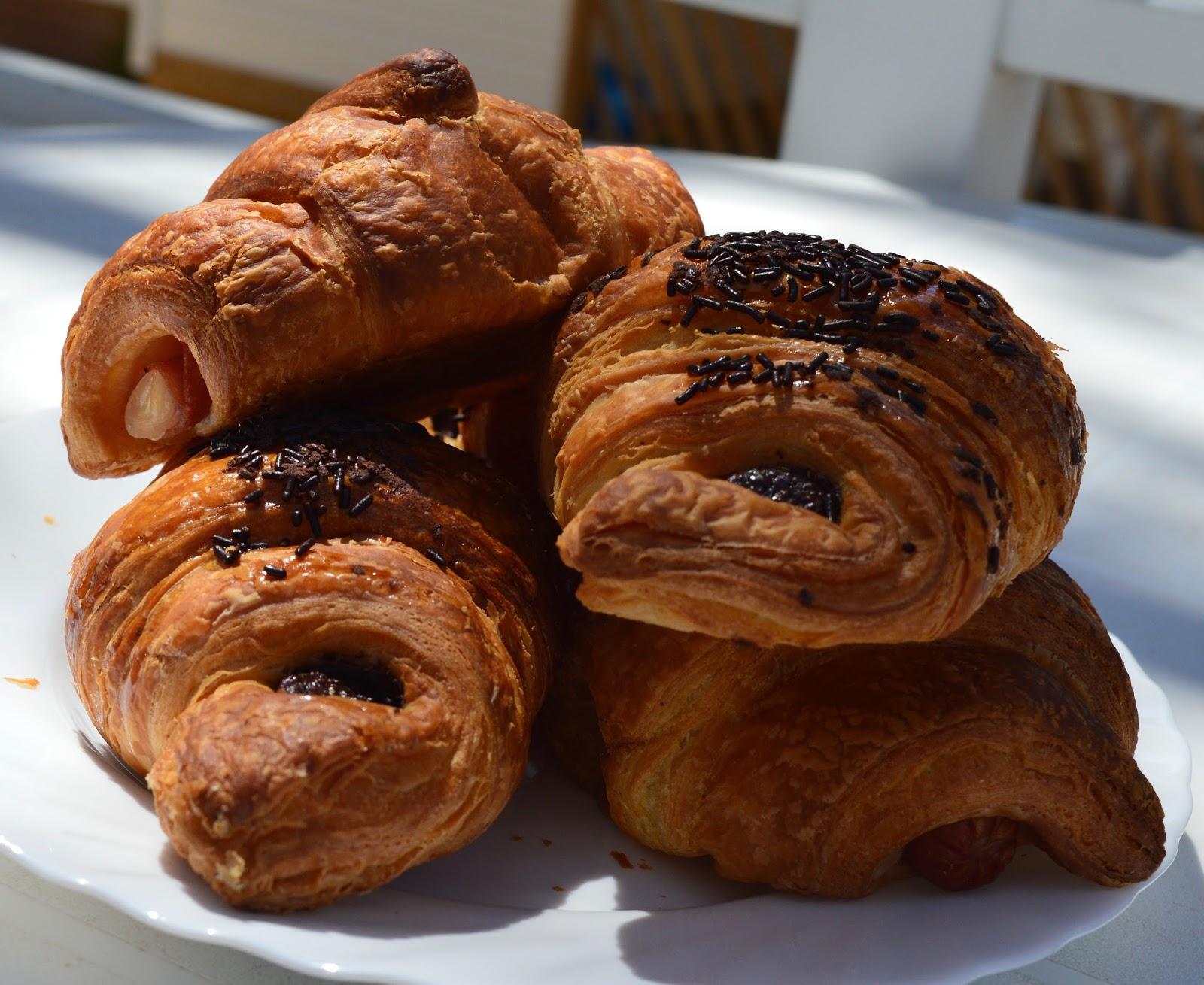 Camping La Siesta, Calella de Palafrugell, Costa Brava - a review - bakery