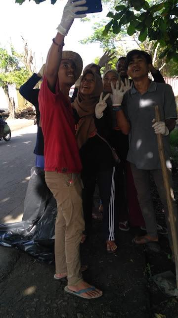 Anak Muda Langka, Bersih Desa Sebagai Rutinitas