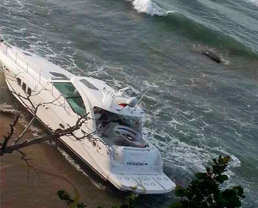Gobernador de Vargas es rescatado luego de caerse de un yate