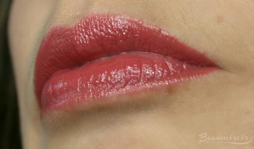 LA Pink lip swatch
