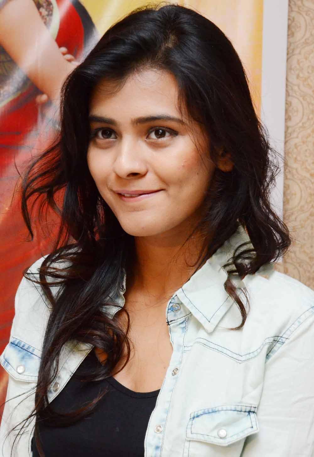 Hebah Patel Cute