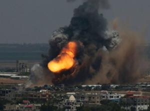 Israel bombardeia Síria em represália à queda de foguete em zona ocupada