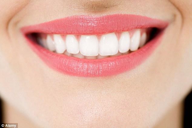 Cara Mencegah Gigi Berlubang dengan Bahan Alami