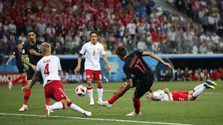 """Video Croatia - Đan Mạch: 4 phút điên rồ, """"đấu súng"""" cân não"""