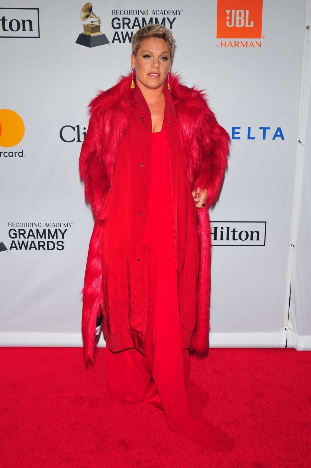 Pink – 2018 Pre-Grammy Gala and Salute to Industry Icons with Clive Davis in NY