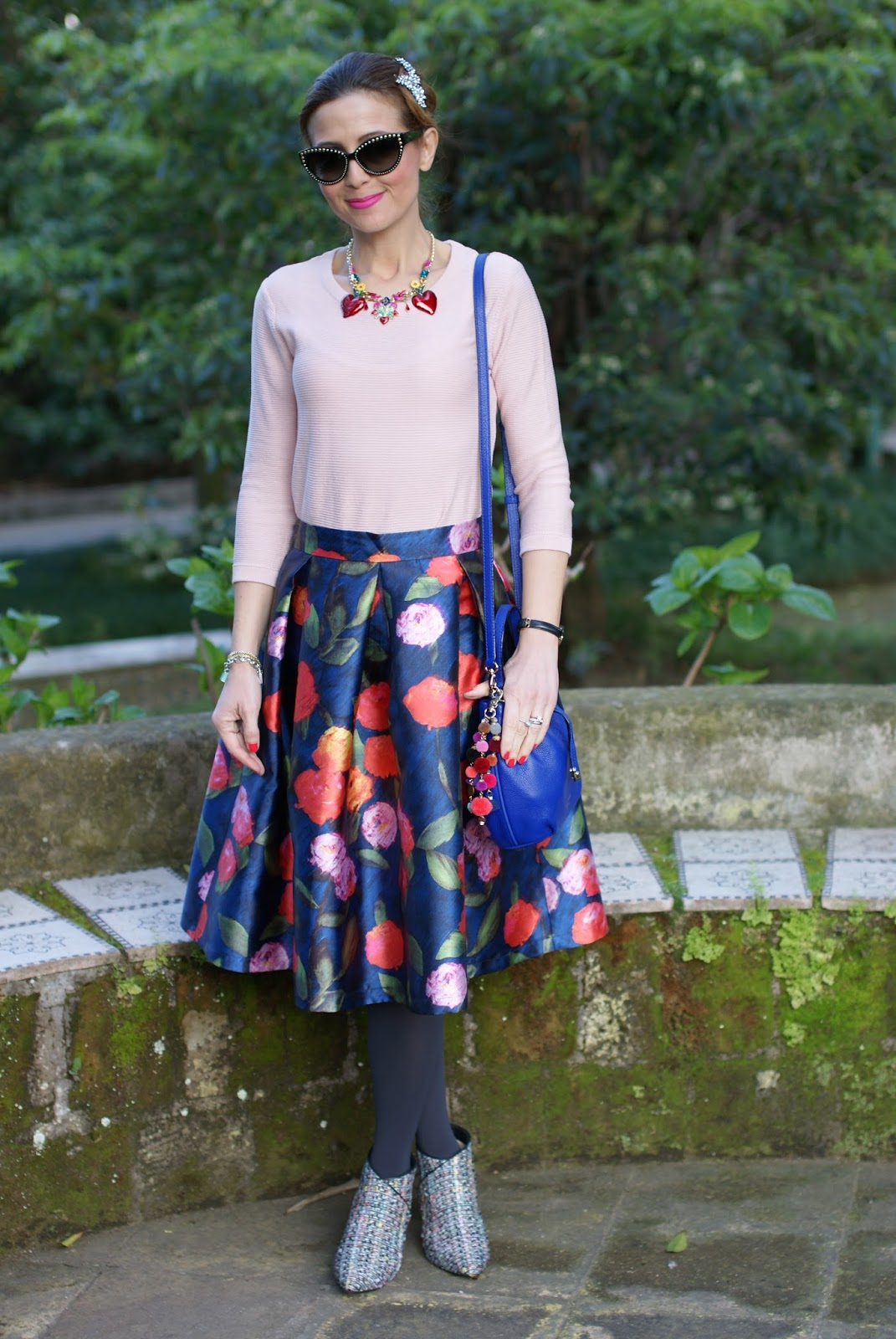 Paccio midi skirt and Kate Spade bucket bag for a princess look on Fashion and Cookies fashion blog, fashion blogger style