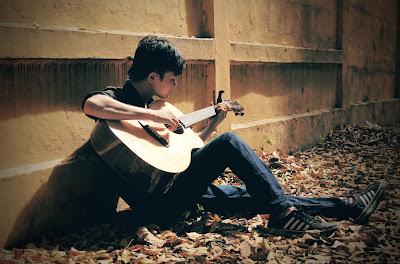 Chi phí đàn guitar Taylor khoảng 20 củ tại Huyện Phù Mỹ, Tỉnh Bình Định