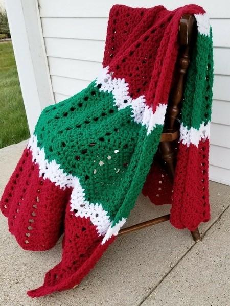 12 Free Crochet Christmas Winter Holidays Blanket Afghan And Throw