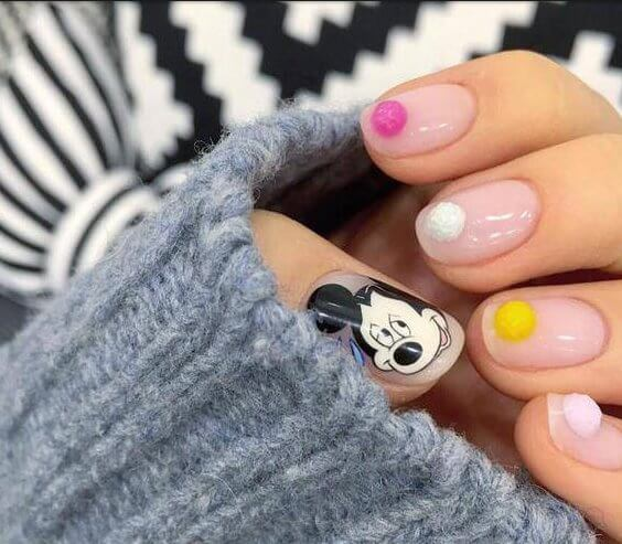 colored ,reindeer ,Nail Art ,Trends