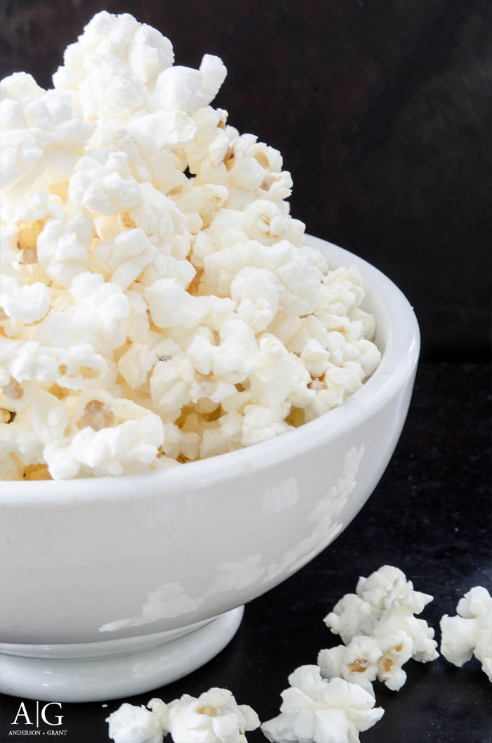 All natural Homemade Microwave Popcorn #recipes #popcorn #snackrecipes #andersonandgrant