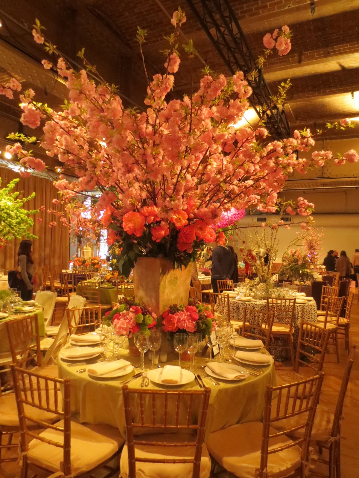 {wedding centerpieces} large & in charge