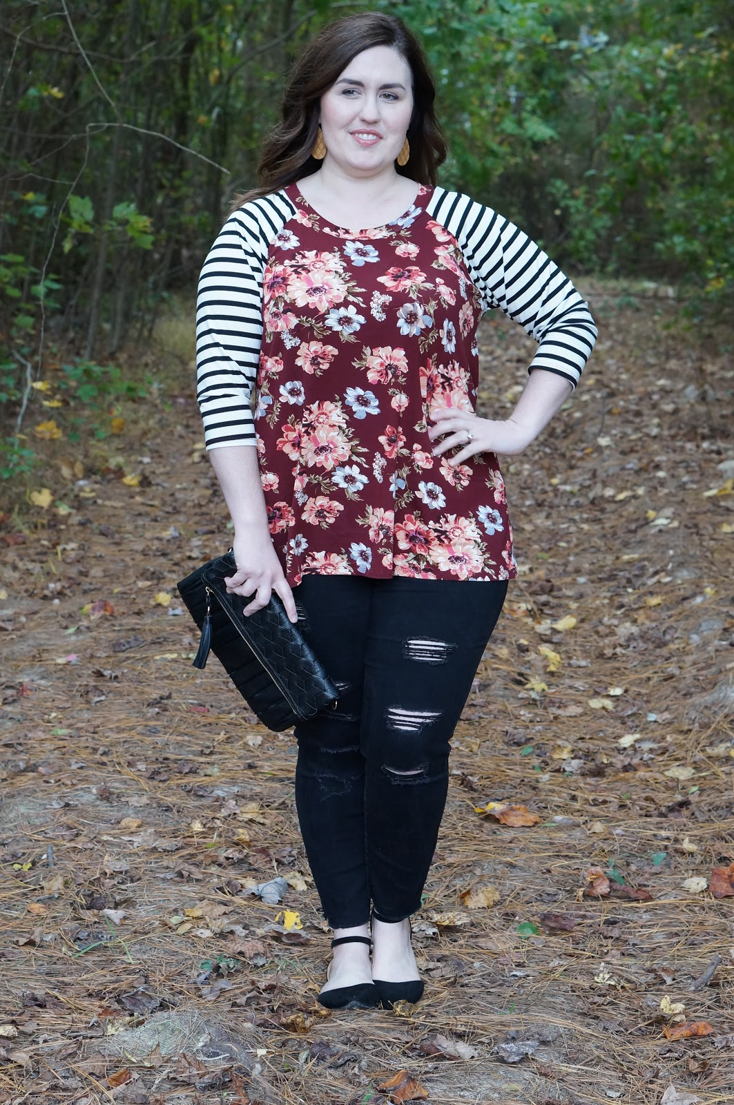 FALL STYLE FLORAL TOP | WEEKENDING THIS CHIC SOUL by North Carolina style blogger Rebecca Lately