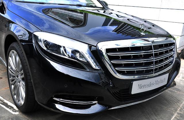 Mercedes Maybach S500 trang bị lưới tản nhiệt 3 thanh ngang được mạ chrome sáng bóng