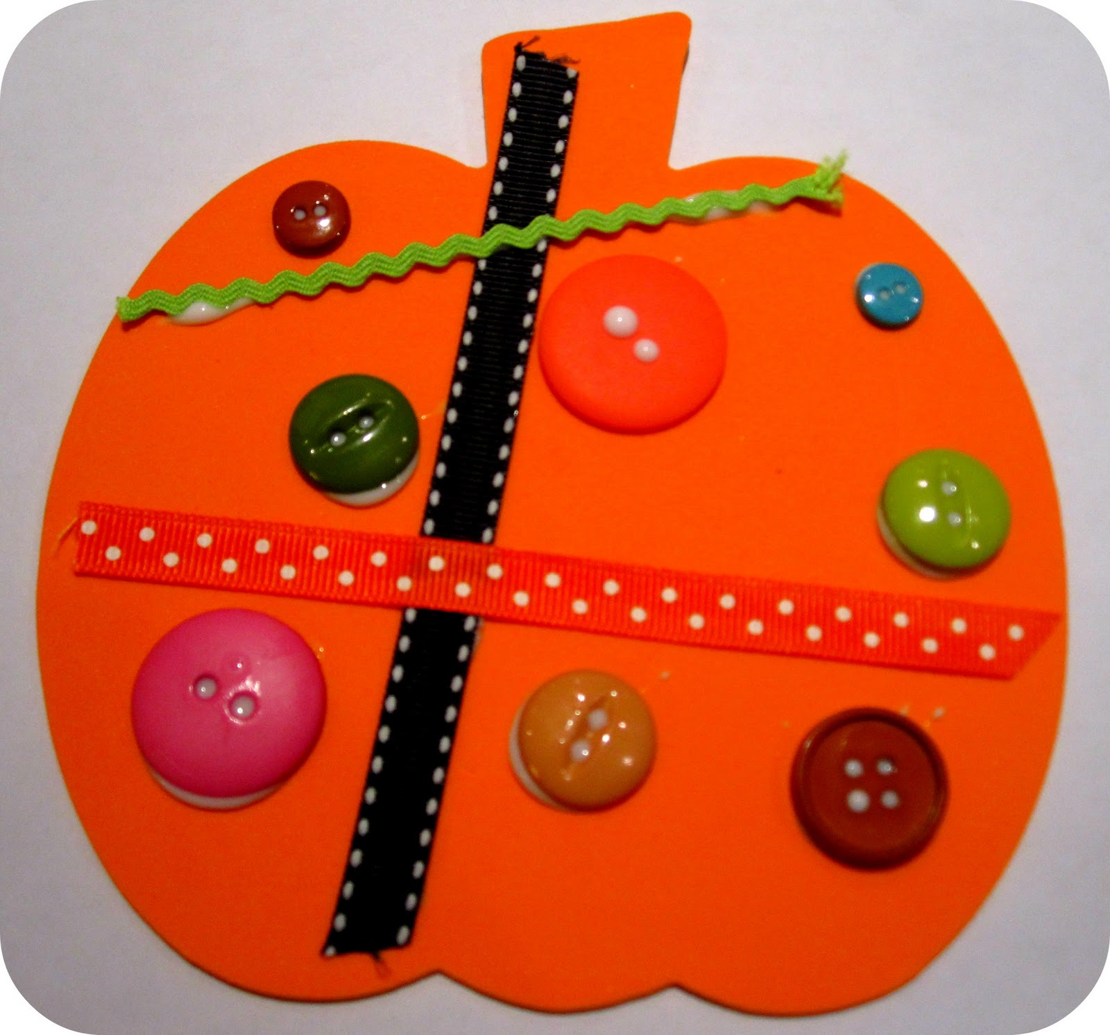 Toddler Approved Button And Ribbon Pumpkins
