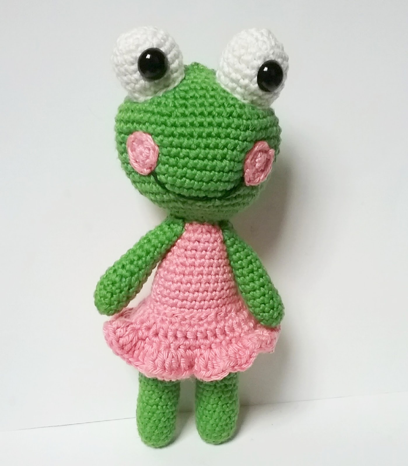This is Amigurumi: Sally the frog pattern