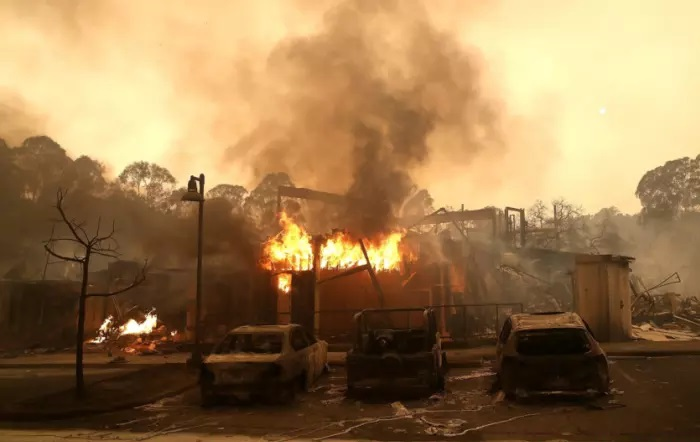 Californian wildfires force mass evacuations. 10 dead, others injured.