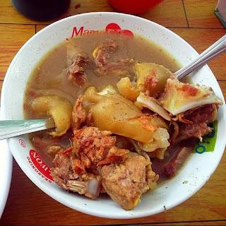 Empal gentong Makanan Khas Cirebon yang cocok di jadikan oleh oleh