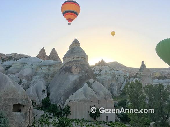 Peri bacaları üstünde uçan balonlar, Kapadokya'da balon turu
