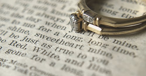 widow s christian place the wedding ring dilemna to