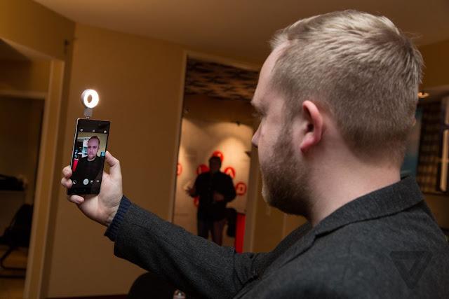 كيف تحصل على فلاش من أجل صور سيلفي رائعة بـ 0 دولار | تطبيق رهيب !