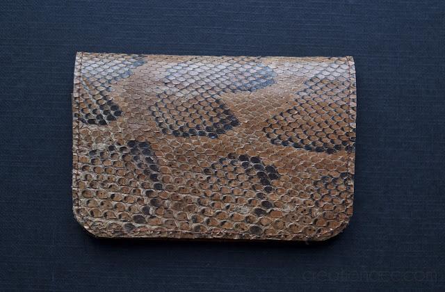 portefeuille peau de serpent