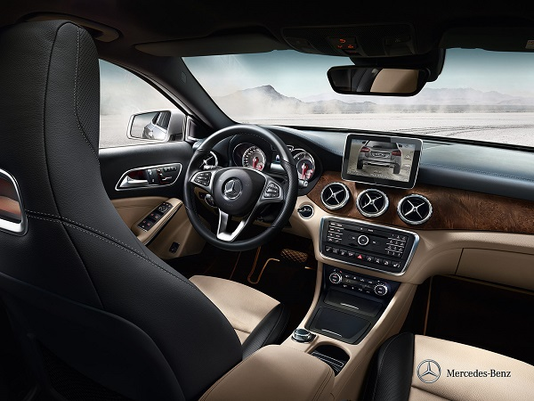 Mercedes Benz GLA interior