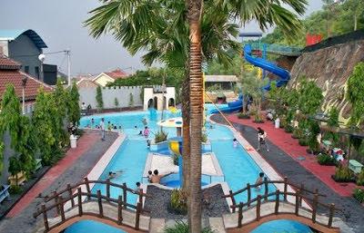 Wisata air Bukit Awan Waterpark Kebomas Gresik