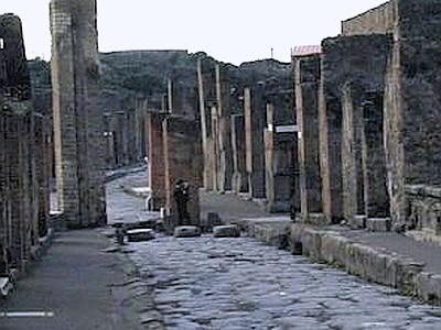Officials, police inspect Pompeii excavations