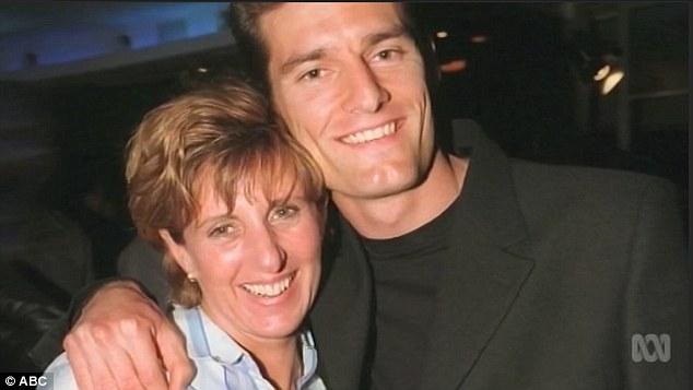 Mark Webber med älskvärd, vänlig, fin, Fru Ann Neal