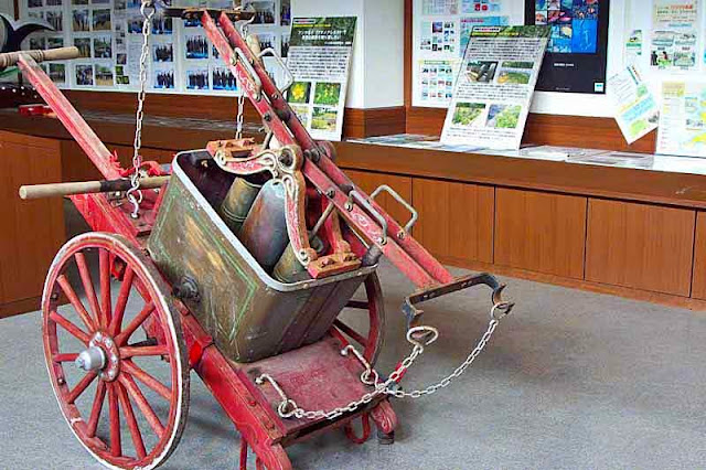 antique fire pump, museum