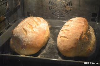 Już w piekarniku chleb ładnie wyglądał