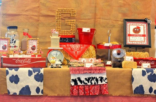 country theme, western look, cookie bar, cow, coca cola crates, party decor