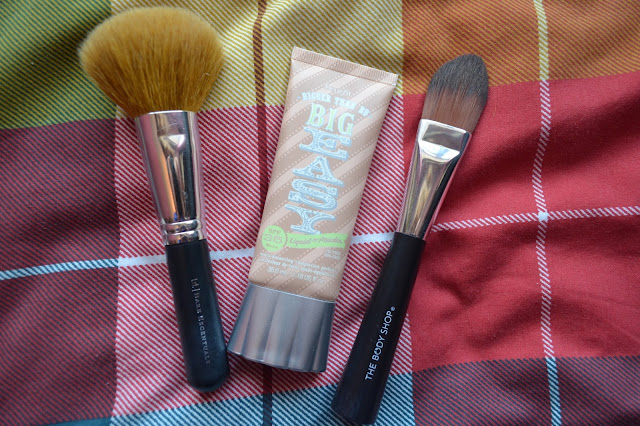 Benefit Big Easy with The Body Shop face brush