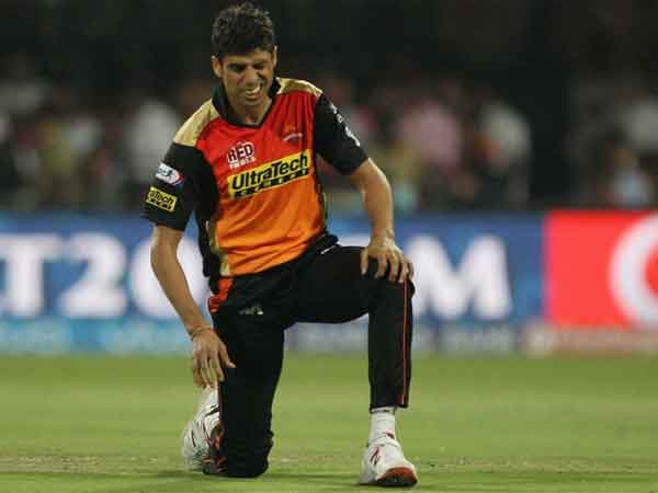 Ashish Nehra, Sunrisers Hyderabad, Pacer, Indian Premier League, Knee surgery, Board of Control for Cricket in India (BCCI), IPL, Surgery,Play off, Cricket, Sports.