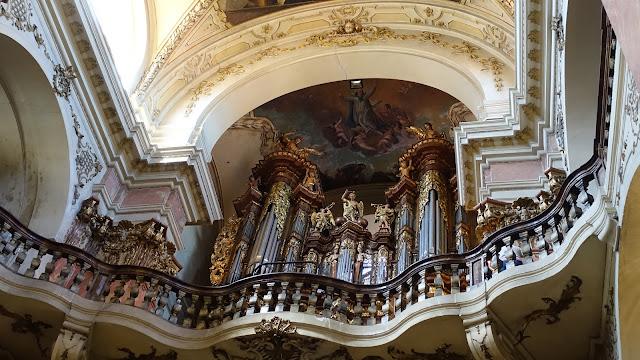 管風琴本尊,目前主要規模部建是1941年的大改造的作品,到近年都還陸續有針對管風琴結構現代化的改裝。