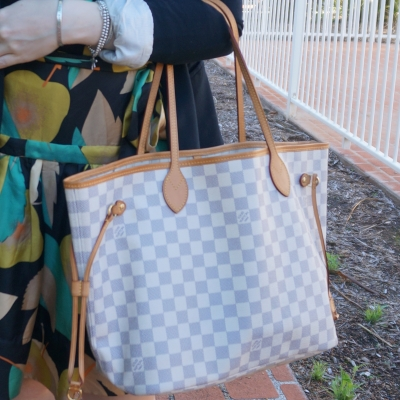 Louis Vuitton MM damier azur neverfull | away from the blue blog