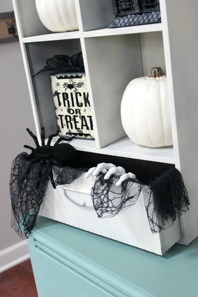 Halloween foyer decorations