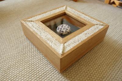 手作りのボタンを飾る箱型額縁・majakkaオーダーメイド額縁