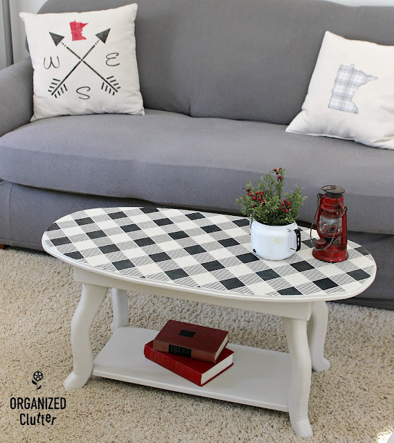 A Buffalo Check Upcycled Coffee Table #oldsignstencils #stencil #buffalocheck #buffaloplaid #upcycle #dixiebellepaint