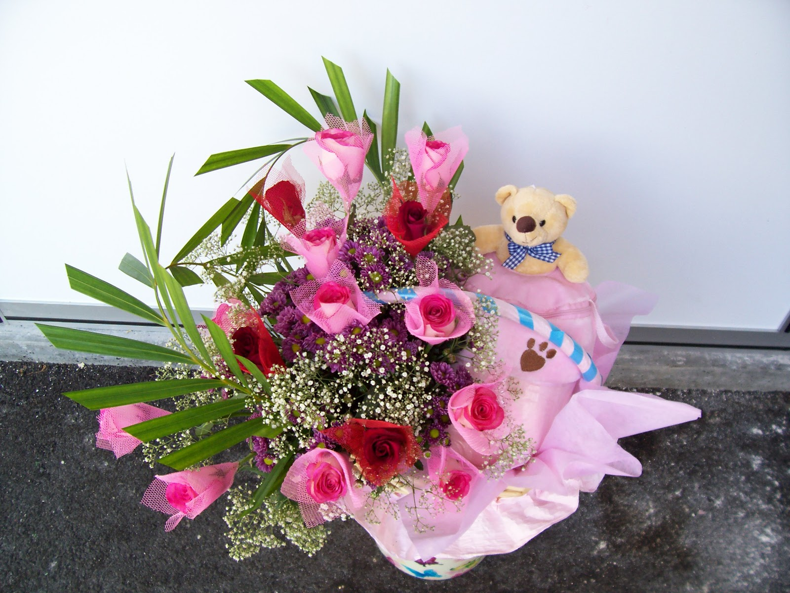 E Flower & Gift: Baby product & flower arrangement