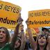 El Parlamento de Navarra pide un referéndum en España sobre monarquía o república