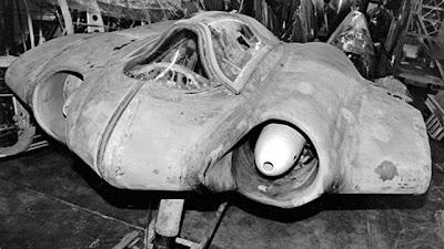 http://2.bp.blogspot.com/-KjJ33o-vb0Y/T-3I6XhyjnI/AAAAAAAAAqI/ZyUEXcz3B3A/s1600/nazi-hitler-ufo-stealth-bomber.jpg