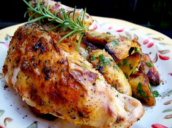 طريقة تحضير وجبة الدجاج المشوي مع الأعشاب