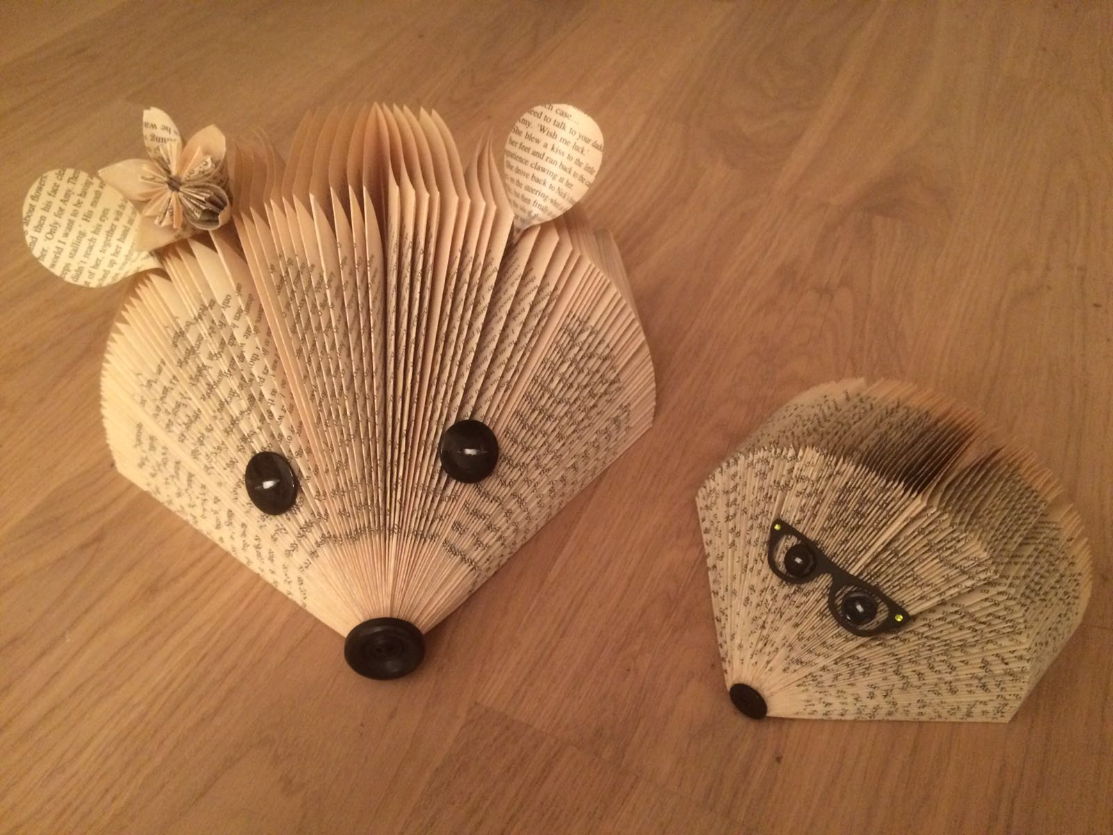 How To Make A Book Hedgehog ~ Ashtead card making and craft club folded book art