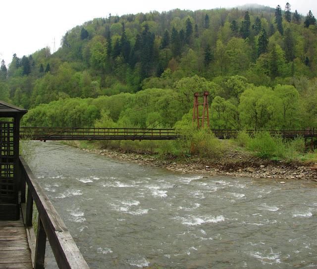 Мост через реку (вид из беседки)