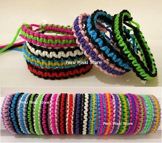 Friendship bracelets square knot