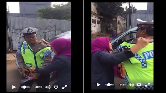 Wanita Berkerudung Nekat Pukul dan Cakar Polantas Bikin Heboh, Ini Videonya
