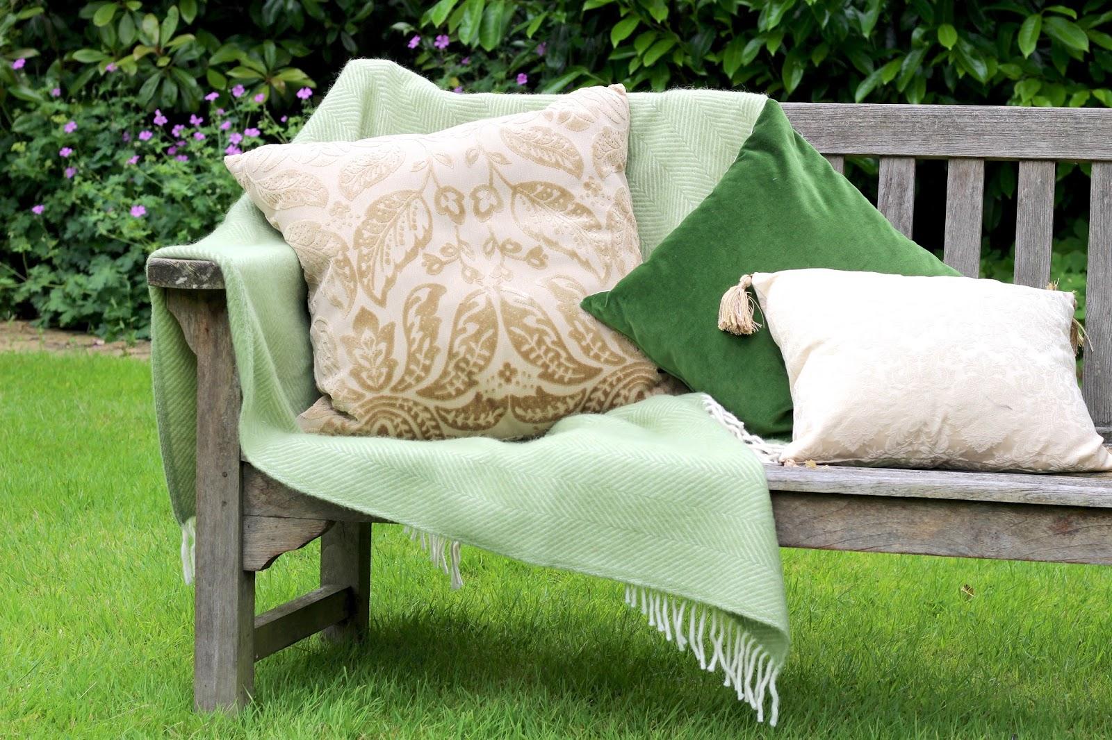 Blogger setup english garden morning scene