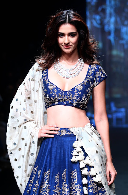 Disha patani at Lakme fashion Week 2017 Photos