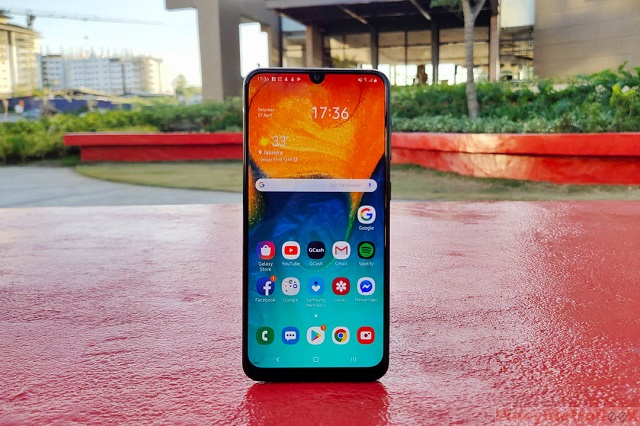 Samsung Galaxy A30 Review: Best in Class Display at PHP 13,990